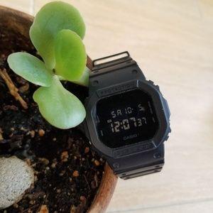 g-shock • dw-5600bb watch •